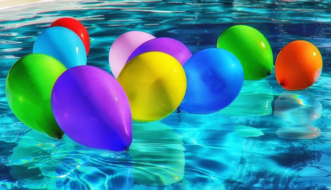 Balónky ve vodě