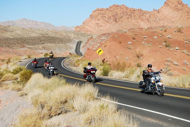 motorkáři na výletě